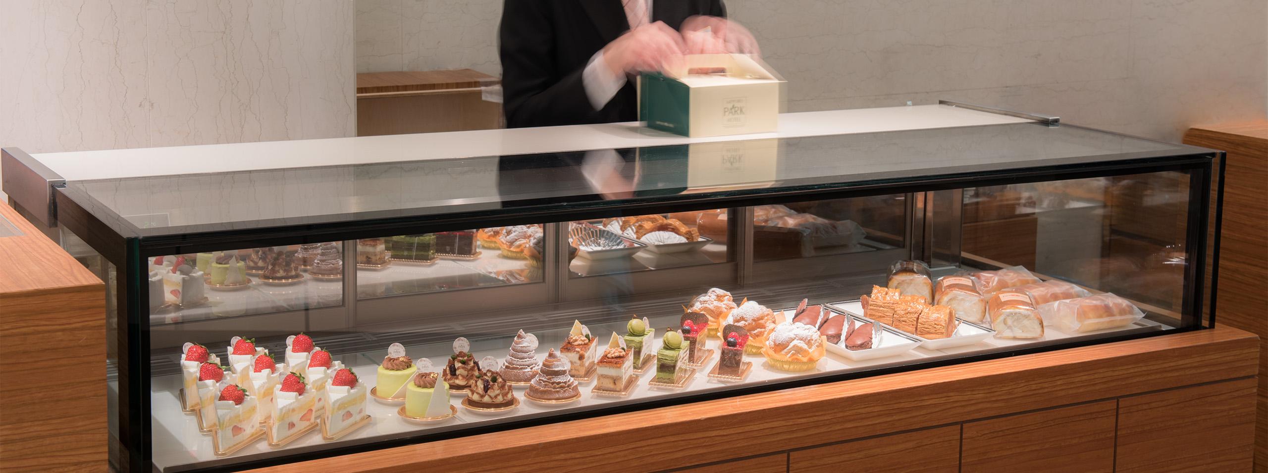 テラスレストランピアレ内 ケーキコーナー